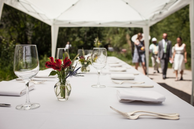 Reception table setting (photo by Kent Meireis)